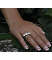 Luxusný strieborný prsteň s krištáľom so Swarovski Elements - R1074