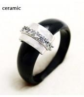 Čierny keramický prsteň 236442A