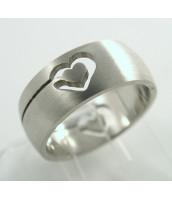 Oceľový prsteň SRDCE - 232634B