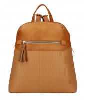 Hnedý módny dámsky batôžtek s čelným vreckom - AM0065