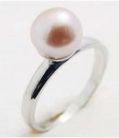 Oceľový psteň s ružovou perlou 233242A