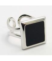 Prsteň s čiernym smaltom - 510263B