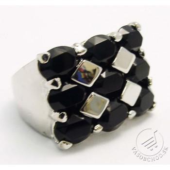Prsteň s čiernymi kamienkami - 510204B
